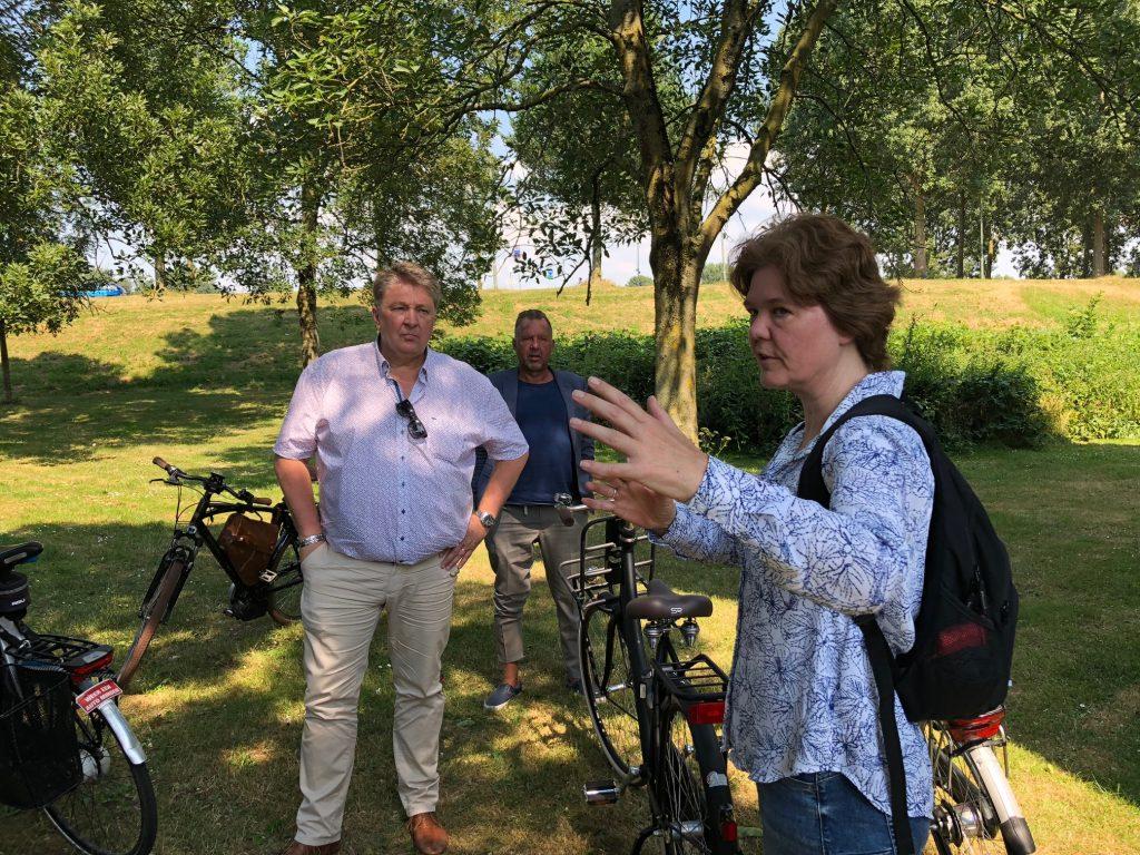 Wethouder Stam bezoekt Vogelbuurt